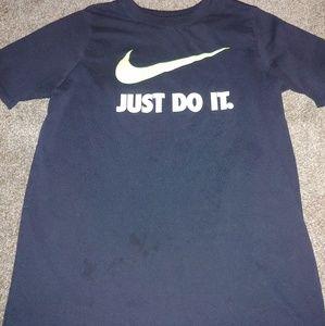 Boys Nike tee